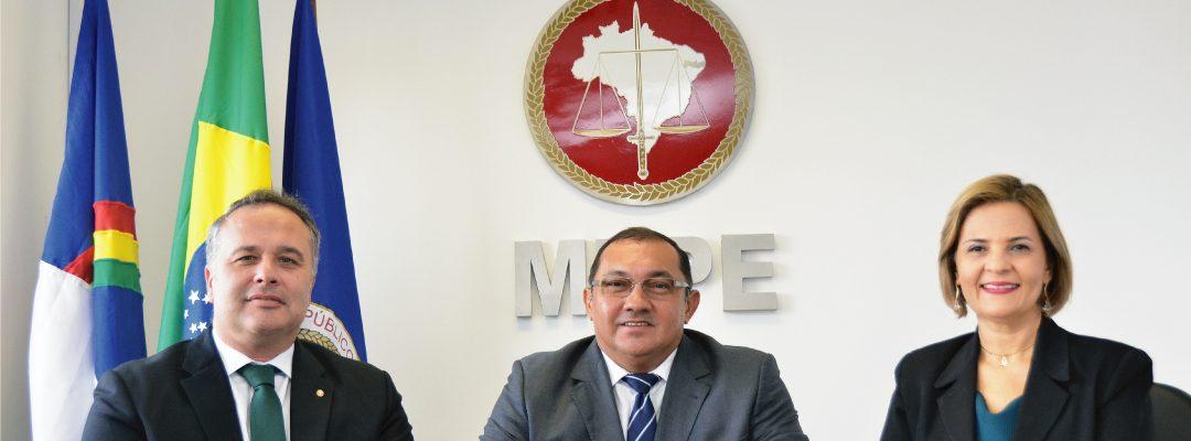 Corregedor e ouvidora-geral do MPPE tomam posse