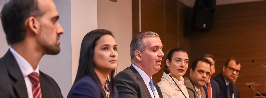 Ato em defesa das prerrogativas lota OAB-PE