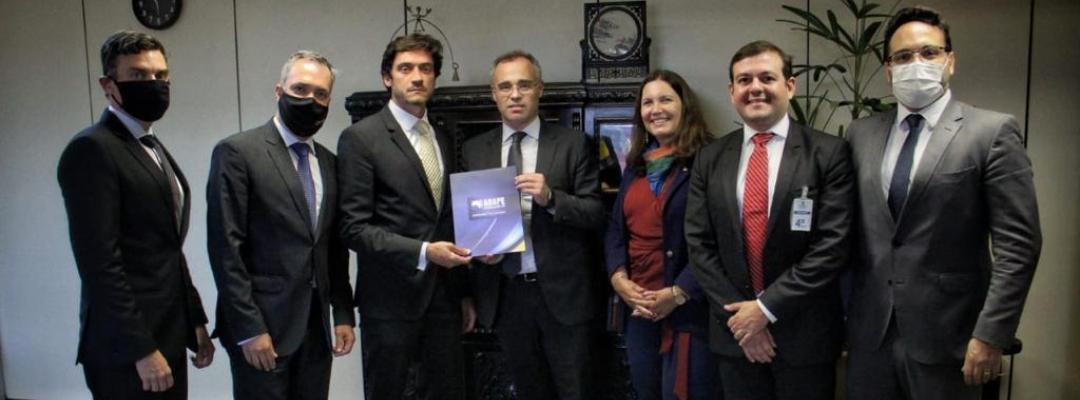 Presidente da APPE participa de reuniões em Brasília